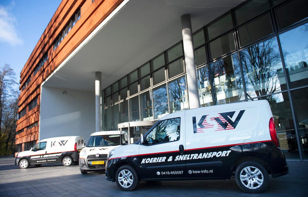 Enkele voertuigen van Koerier & Sneltransport Waalwijk